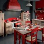 cuisine rouge et bois Agathe & Marianne