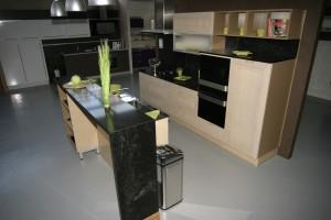 cuisine bois et noir Maelys